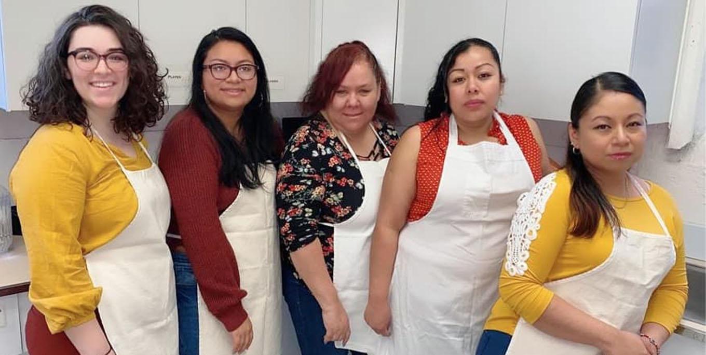 Mary Rutigliano, Johana Rocha, Gloria Ramos, Blanca Rodríguez, and Adriana Alatriste of Cooperativa Las Cazuelas.
