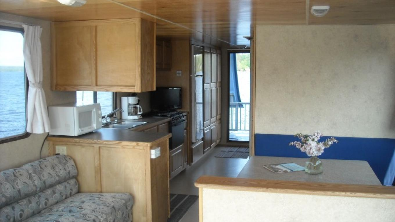 Voyagaire Houseboats