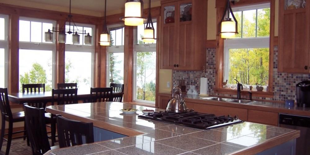 Kitchen and dining area – Bonzi Wuebben