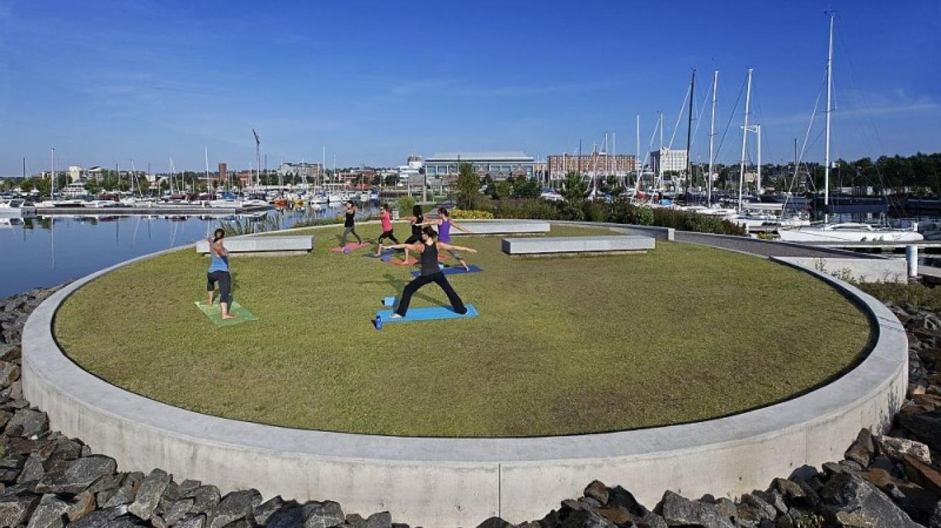 Yoga circle as part of the waterfront development at Prince Arthur's Landing. – BMI