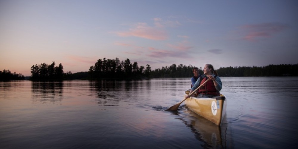 A sunset paddle in the BWCA – Voyageur Canoe Outfitters