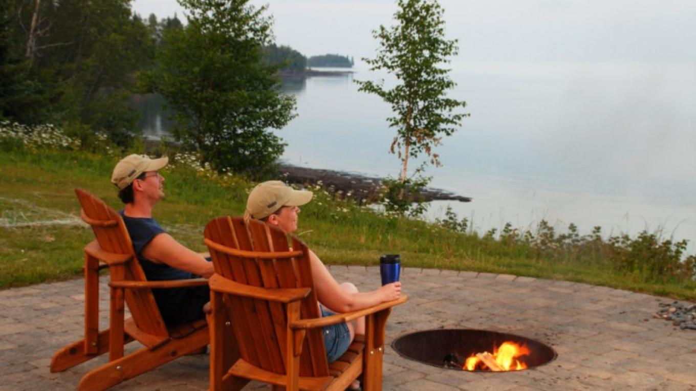 Lake Homes North fire pit – Odyssey Resorts