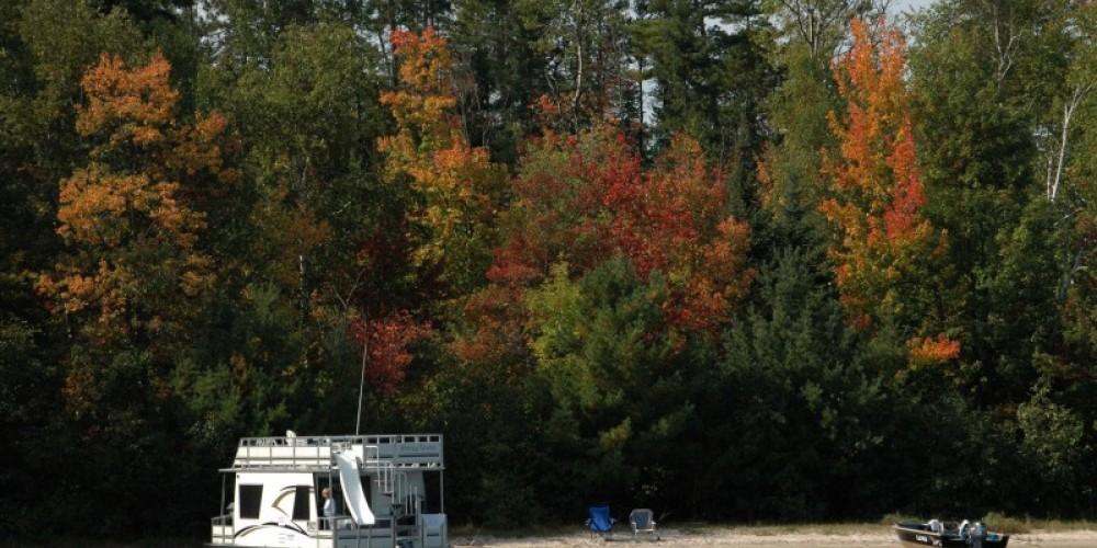 Voyagaire Houseboats