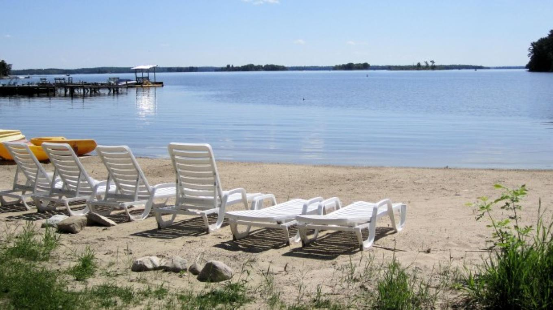 Beach – Moosehorn Resort