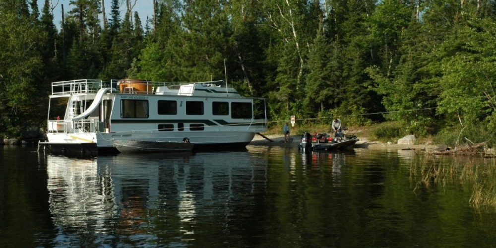 Houseboat on Rainy Lake in Voyageurs National Park – NPS
