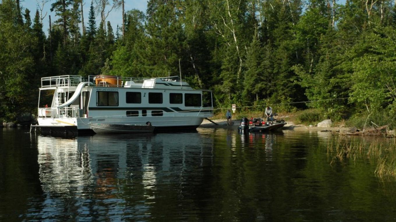 Houseboat on Rainy Lake in Voyageurs National Park – NPS