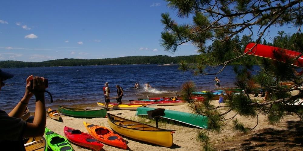 """""""Paddle your Neighbours Canoe"""" - Canoe and Kayak symposium"""