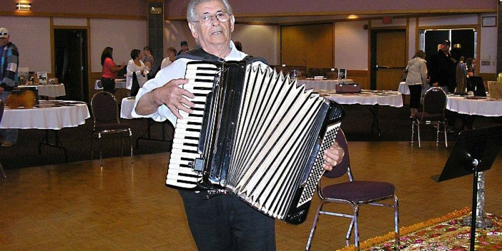 The accordion is a tradition of Italian music. – C+ZAR