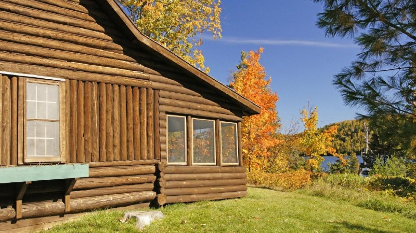 Cabin at historic Tettegouche Camp – Paul Sundberg