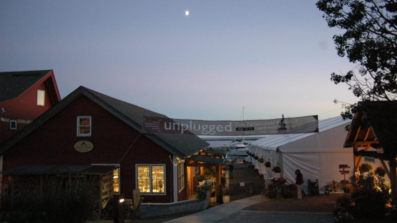 Featuring three nights of music under a tent on the shore of Lake Superior, Unplugged is a music event not-to-be-missed. – North House Folk School
