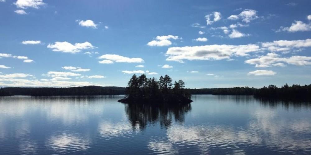 Beautiful Lake Weikwabinonaw with over 50 islands – Amberlite Wilderness Resort Facebook (Rachel Macsemchuk)