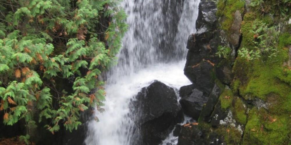 Falls at Srairway PortageBl – Seaton