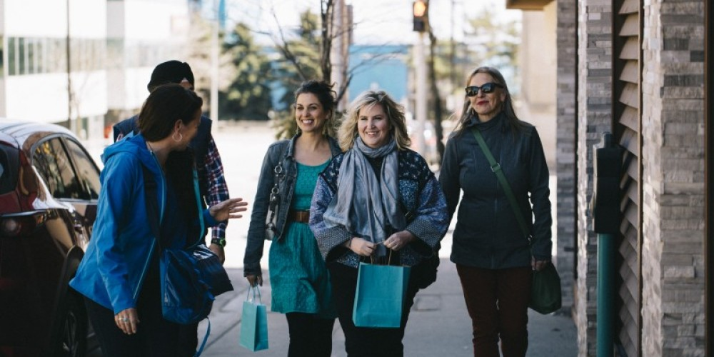 Walking food tours celebrate local stories, natural and cultural history - paired with delicious food tastings in Thunder Bay neighbourhoods! – Epica Pictures