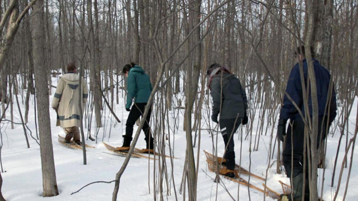 Try snowshoeing at the Voyageur Winter Carnival – Fort William Historical Park