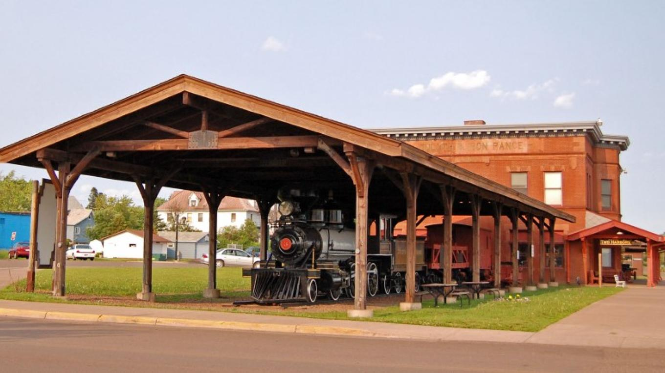 The 3 Spot display group along side the D&IR Depot Museum – Mel Sando
