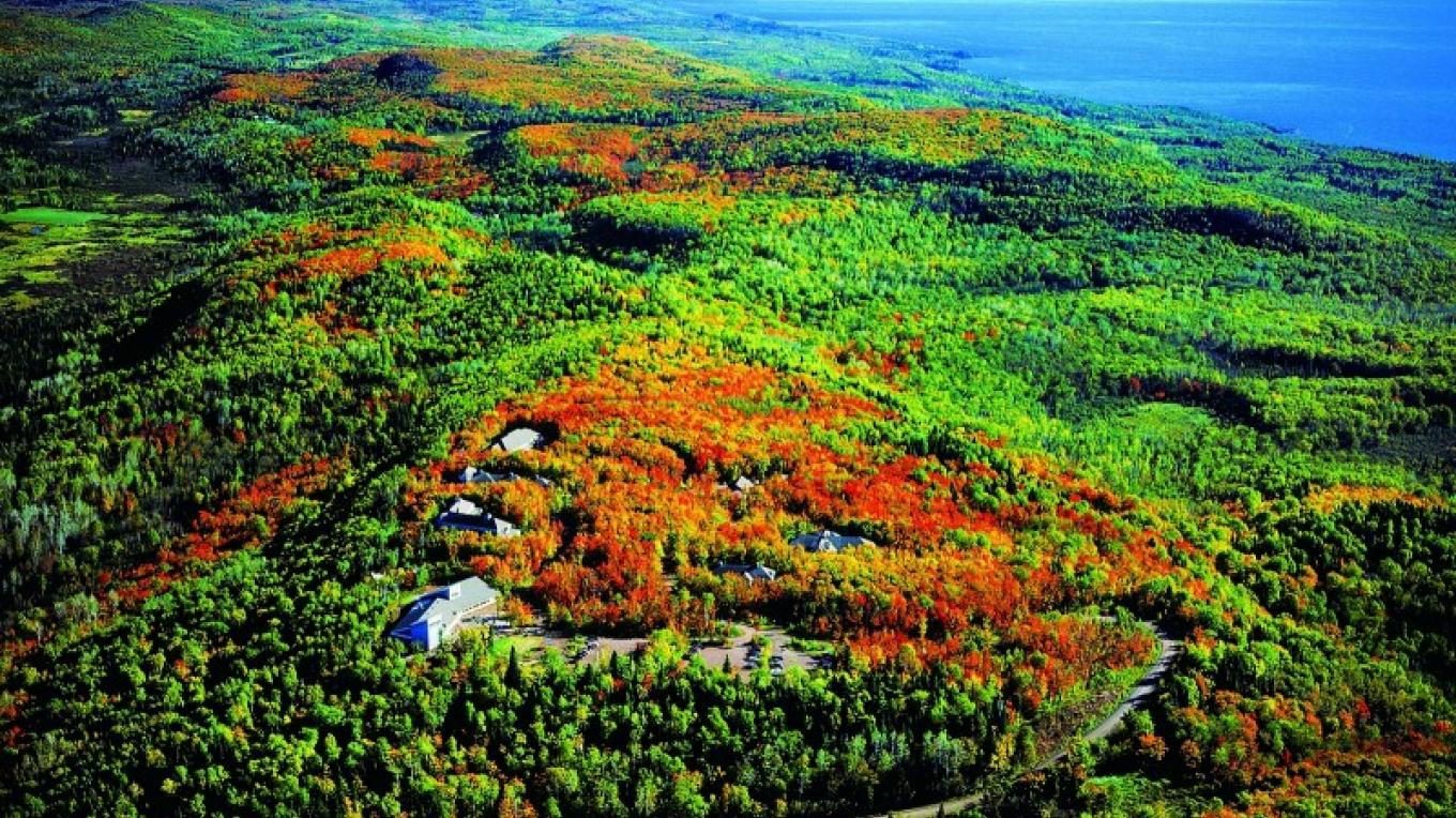 In the hills above Lake Superior's north shore, our 2000-acre campus provides access not only to our 18 miles of trails, lakes and streams, but also is only a short drive to several state parks. – Wolf Ridge Environmental Learning Center
