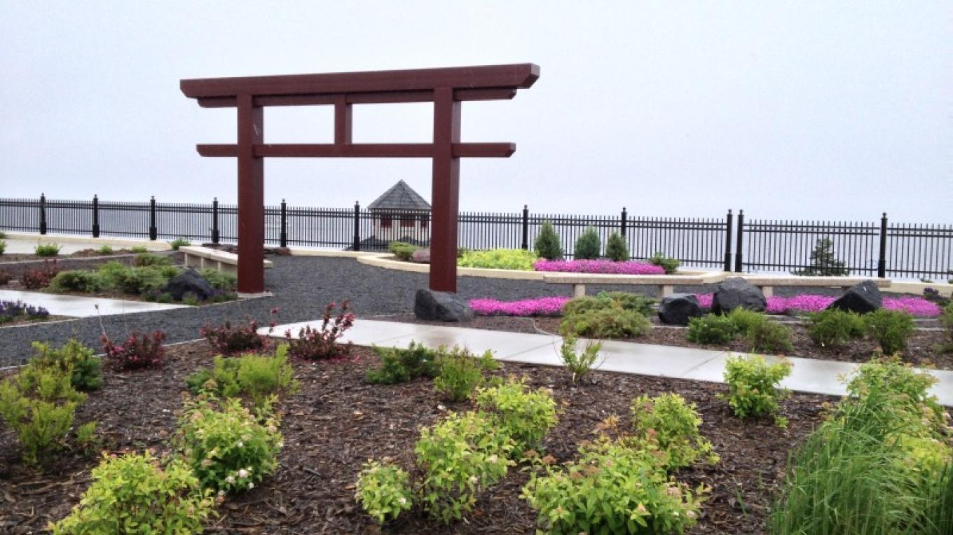 Duluth Sister Cities Park overlooking Lake Superior – Wendy Wennberg