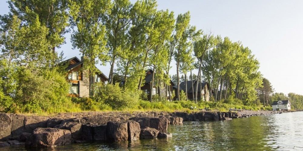 Lake Homes from the water. – Odyssey Resorts