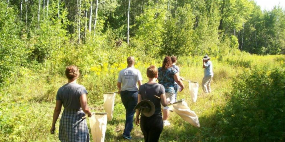 Master Naturalist Volunteer trainings empower citizens to volunteer throughout the state in the areas of stewardship, citizen science, interpretation, and program support – John Geissler