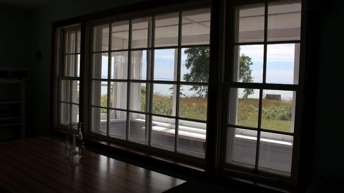 Great views of Lake Superior looking out the large living room window. – Photo by: S. Reid