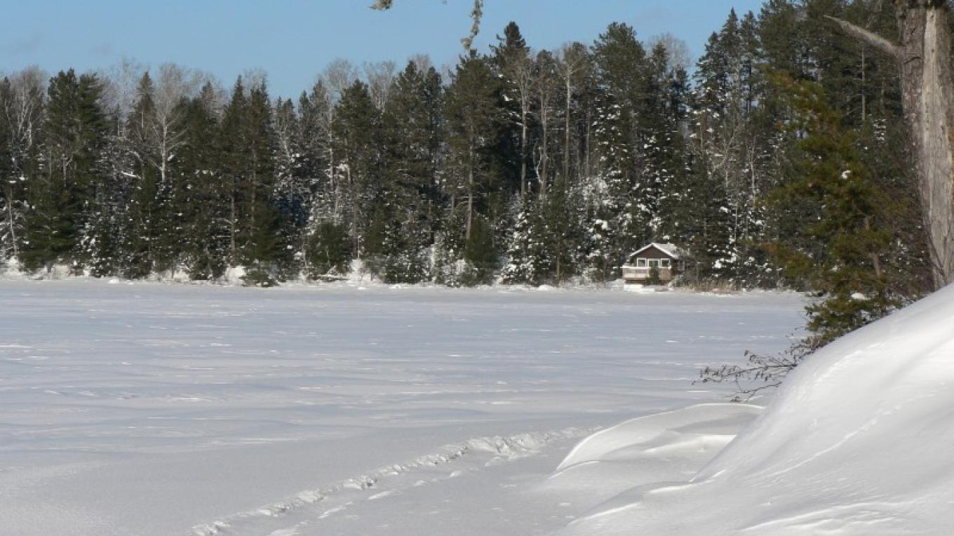 Snow-shoe trail to Winter Retreat - French Lake