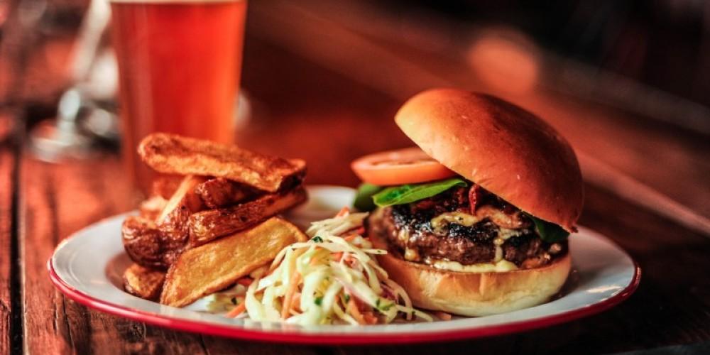 Maple Bacon & Smoked Cheddar Burger – Alexander Skochinski
