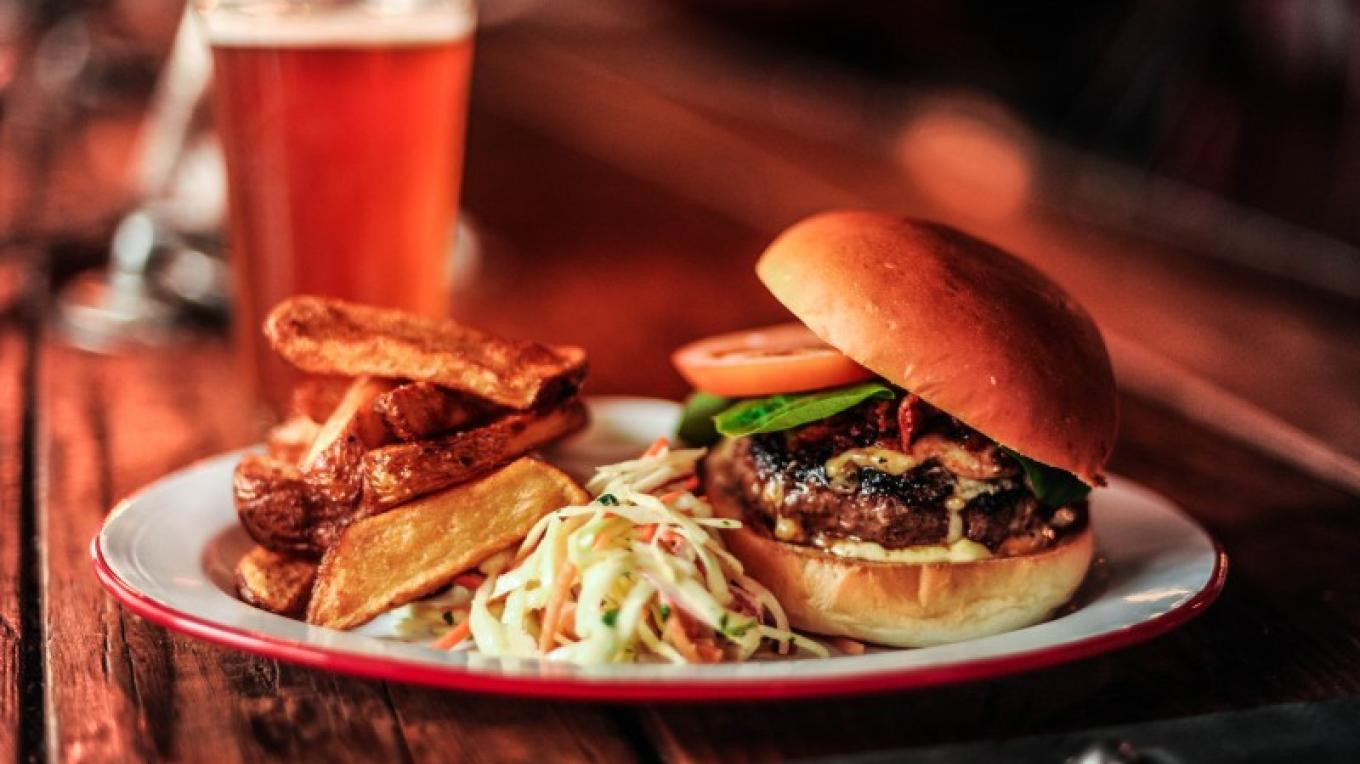Maple Bacon & Smoked Cheddar Burger – Alexander Skochinski