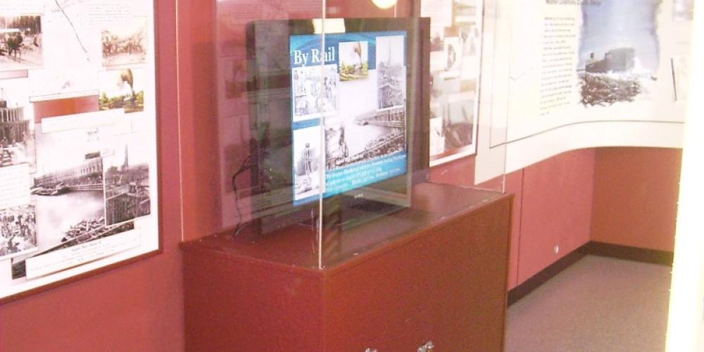 Harbor Exhibits in the Frontenac Pilot House – Mel Sando