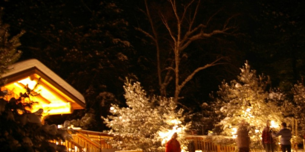 Log Cabin - Ice candlelit ski - Dawson Trail Campgrounds - Quetico Provincial Park – Catherine Reilly