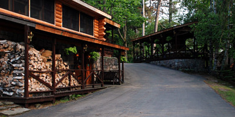 A modern, clean welcome awaits you – Pine Point Lodge