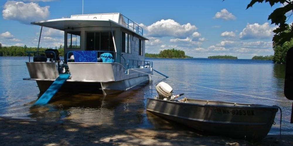 Rainy Lake Houseboat vacation