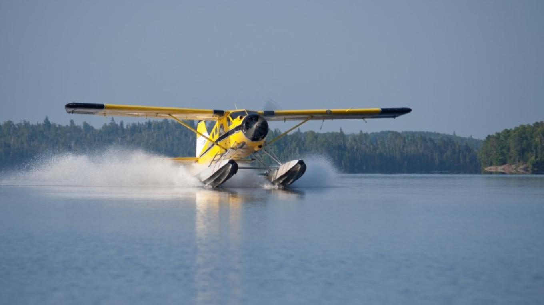 Ignace Airways Beaver landing on Agimak Lake in Ignace, Ontario – Karen Greaves