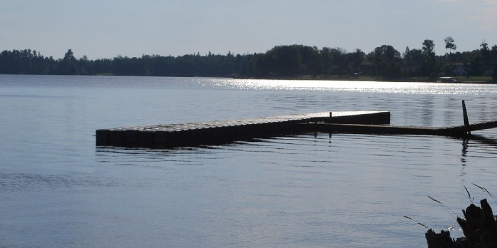 This access is also the location of the seaplane base that allows people to check in with customs when flying across the international border. – International Falls, Rainy Lake and Ranier CVB