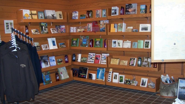 Jefferson National Parks Association bookstore at Rainy Lake – NPS