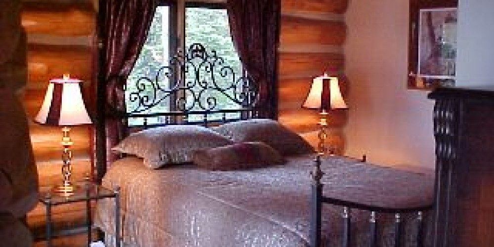 White Bear Bedroom – Dean Carpenter