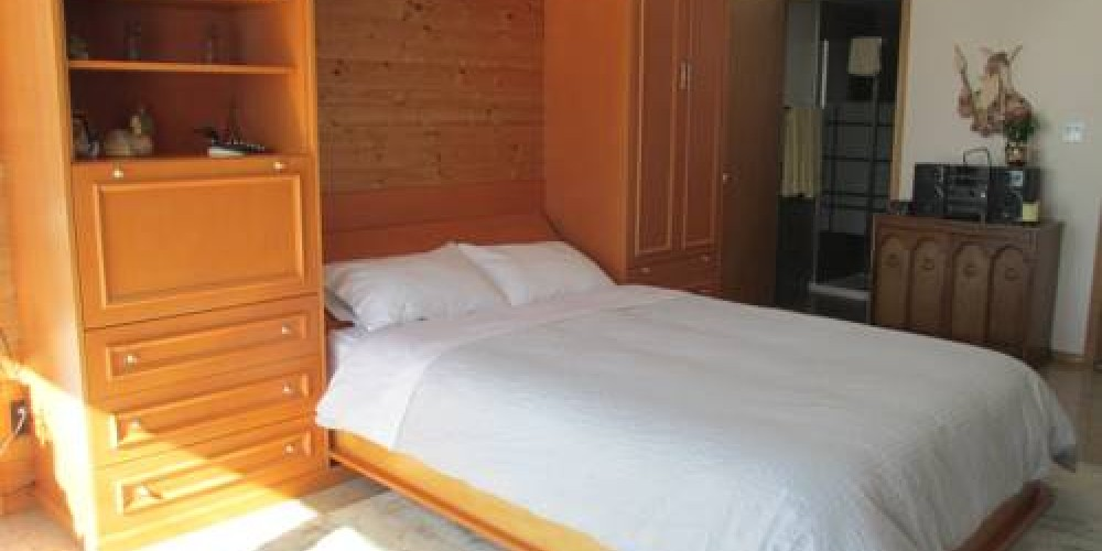 Bedrooms are newly furnished and clean for a comfortable stay. – Eldorado B and B