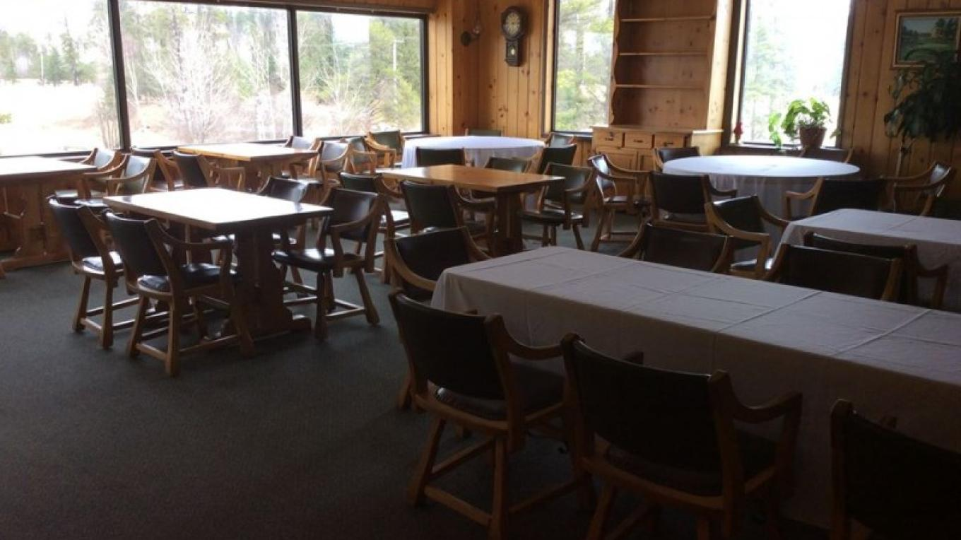 Seating Area – Tara Warren