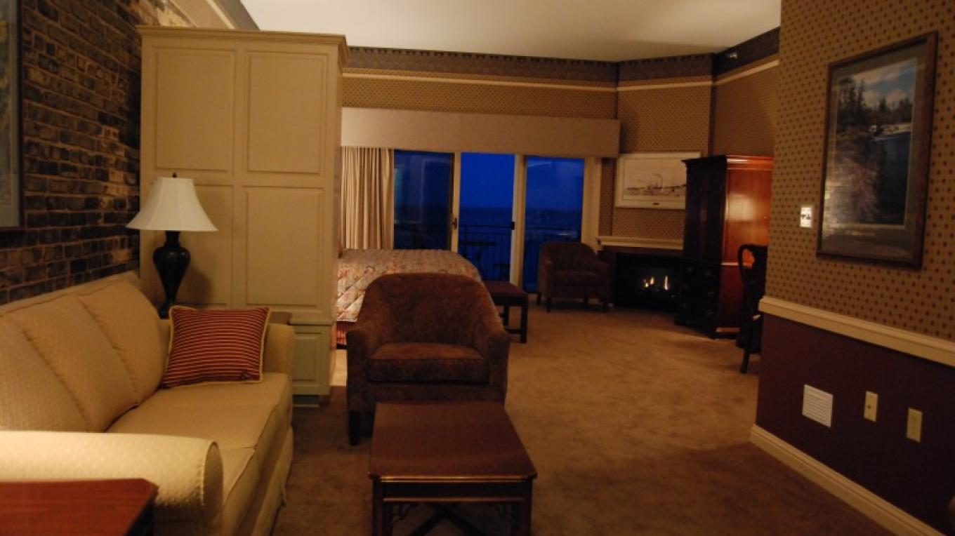 Lakeside Executive room – Fitger's Inn