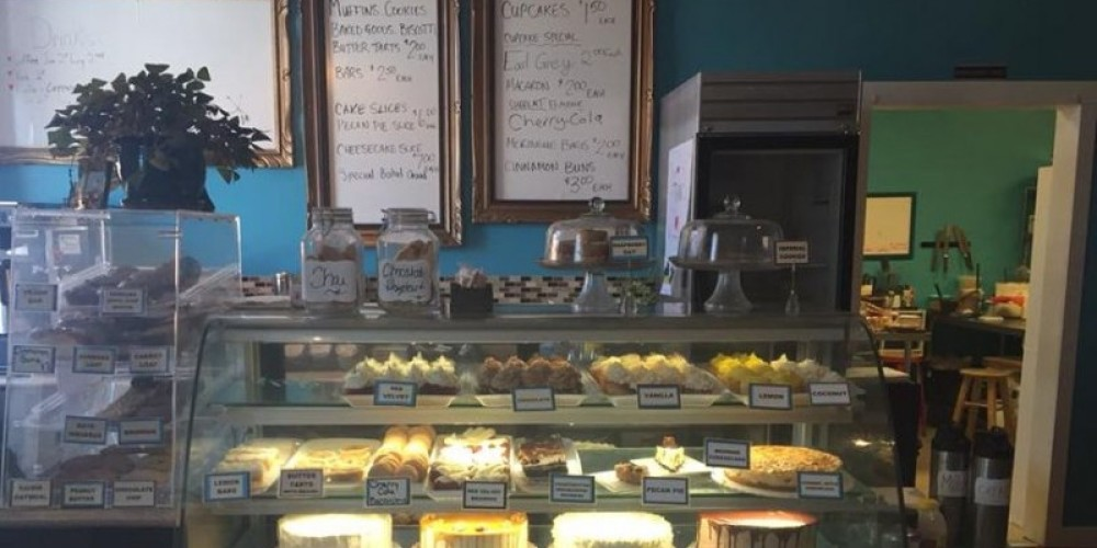 A display of the all the great desserts to choose from. – Sweet Escape