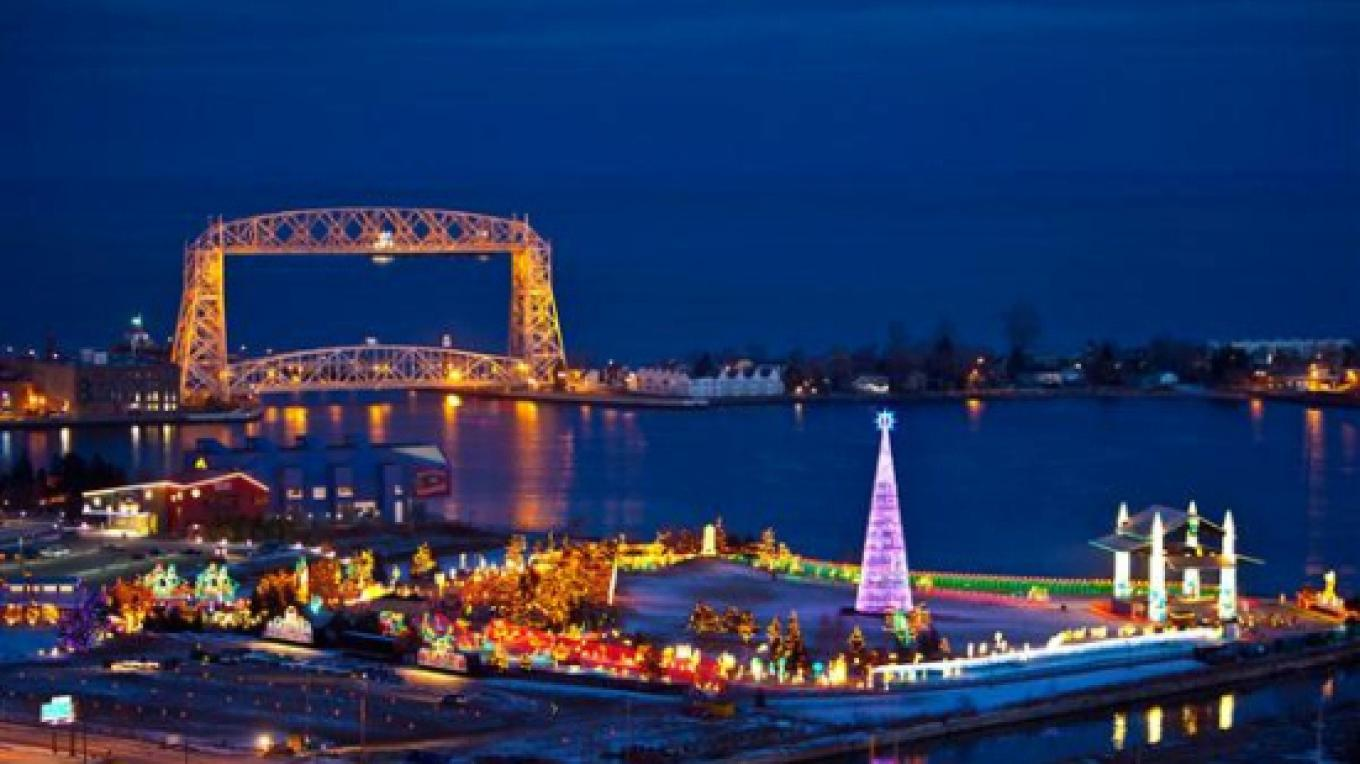 Bentleyville lights up the night sky with over 3 million LED holiday lights – Dennis O'Hara