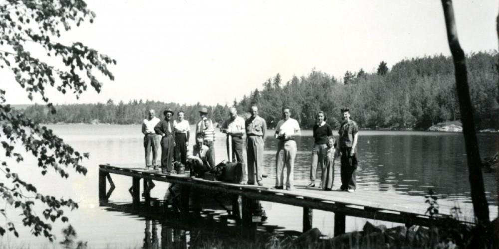 "Guests at ""Pine Cove"" – MHS"