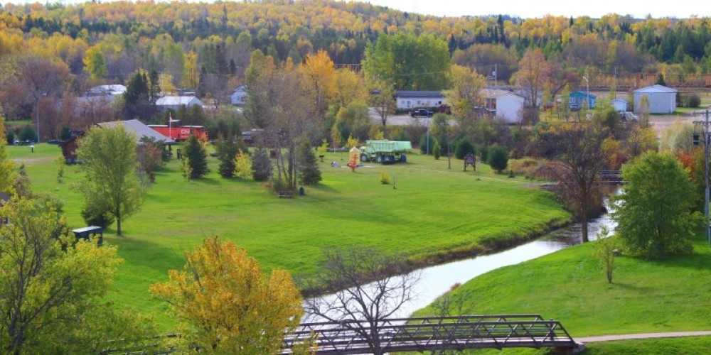 Scenic Overview of the footbridge to Heritage Park from the museum – Lynx Photography (Doug Strom)