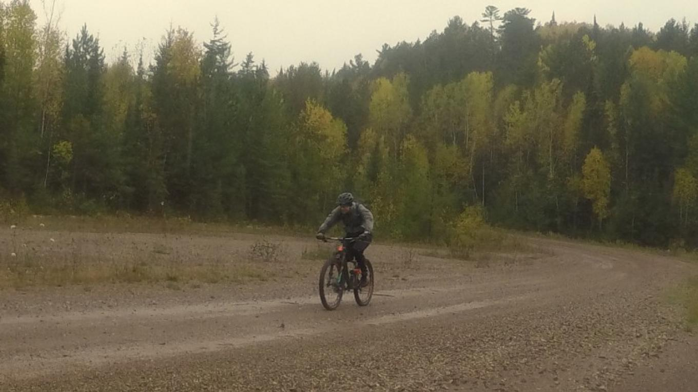 Earle Arnold showing us how to ride gravel – C Stromberg