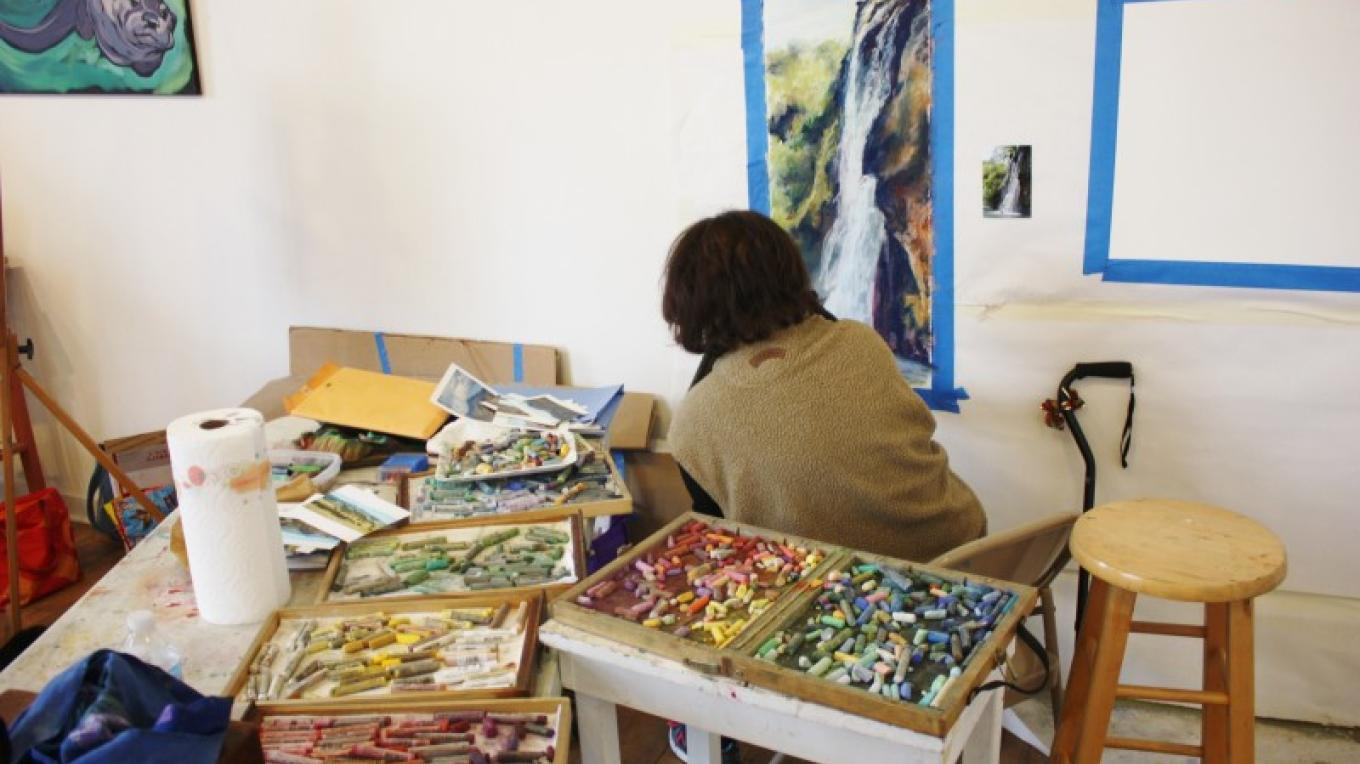 From emerging to professional artists, the Art Colony offers classes and creative space to nurture growth. – Carolyn Fritz