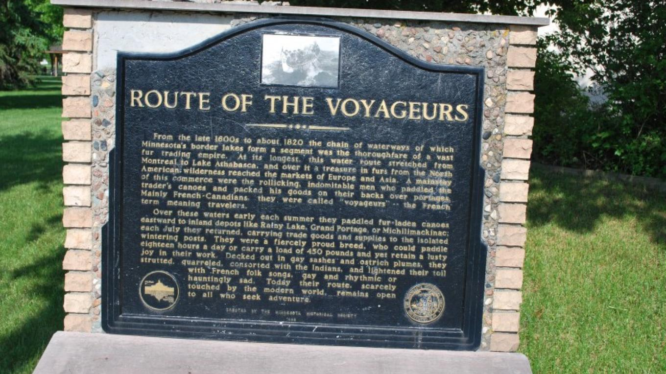 A plaque outside the museum explains the historic significance of this important crossroads of the North American waterway that served the fur trade. – international falls, rainy lake and ranier CVB