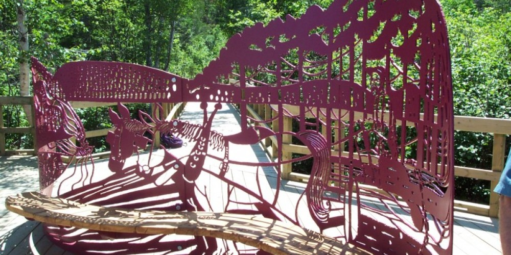 Sculptured bench at Lake Superior Boardwalk Lookout
