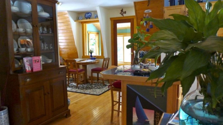 Dining Room – Raven Moss