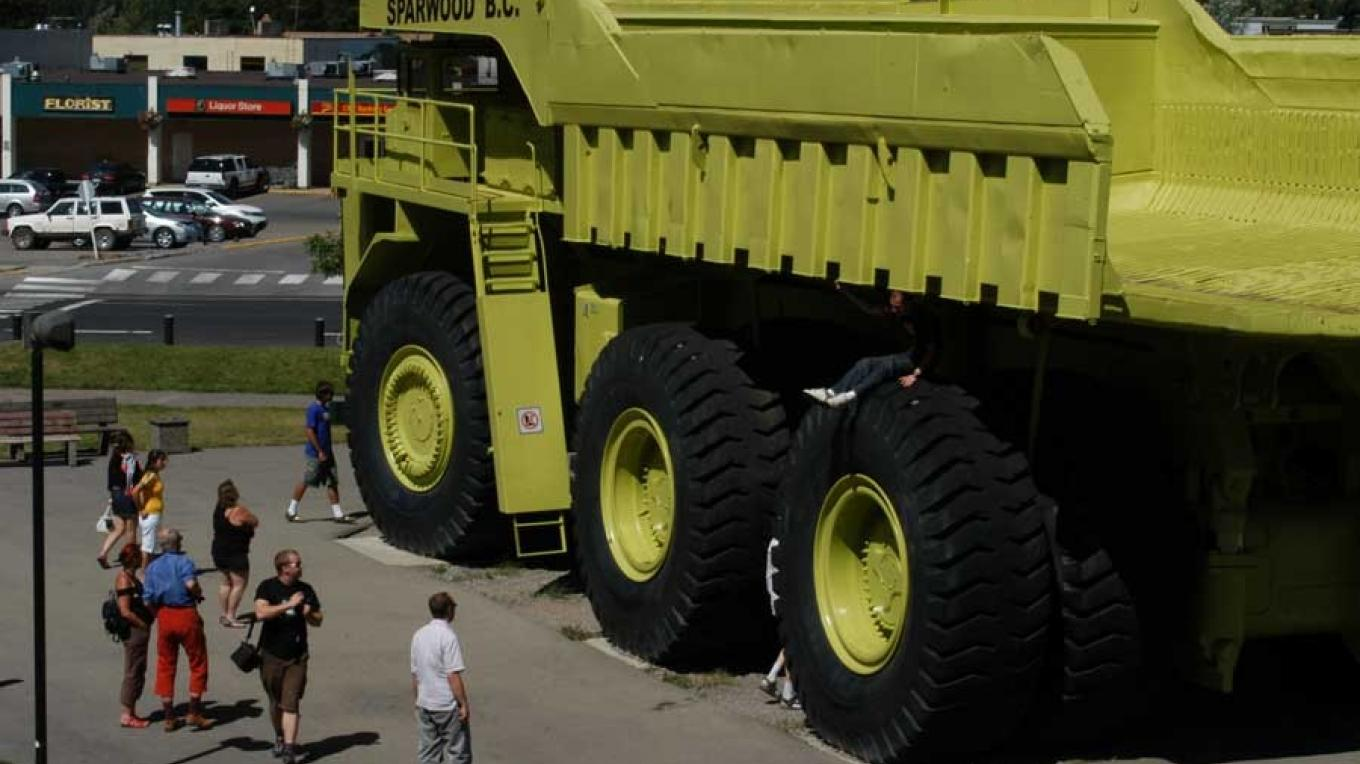 Near the top of the Crowsnest Pass, the massive Terex Titan stands guard over the Visitor Centre – Jhim Burwell