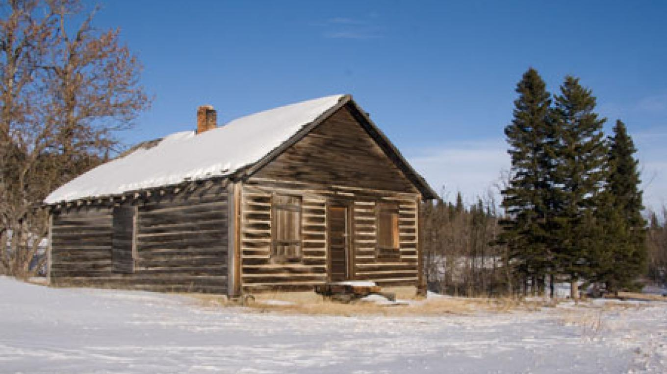 Homestead cabin south of Beaver Mines on Highway 774 – David Thomas