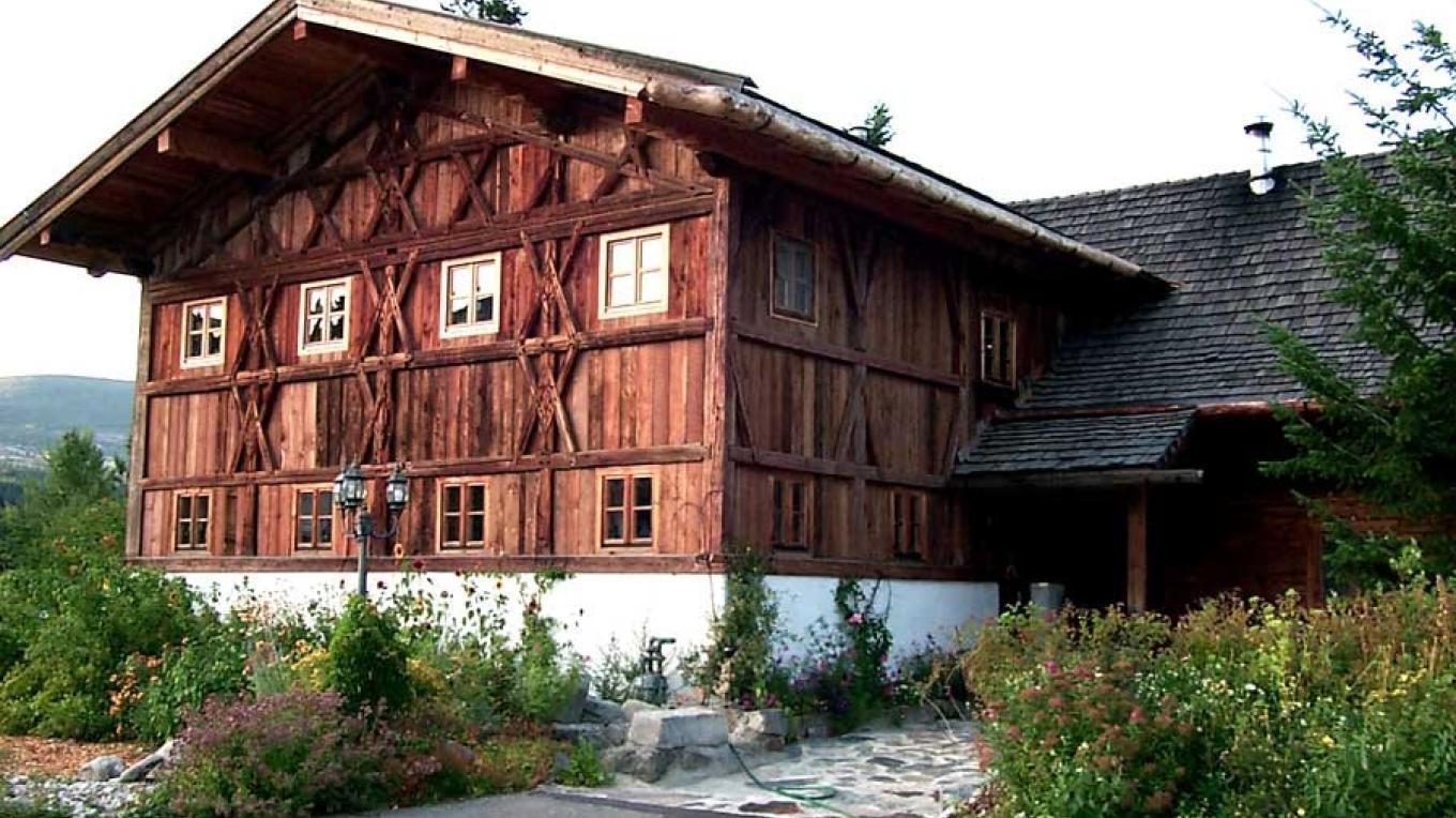 Enjoy freshly prepared specialties in the original reconstructed over 350 years old Bavarian farmhouse. – Chris Dadson